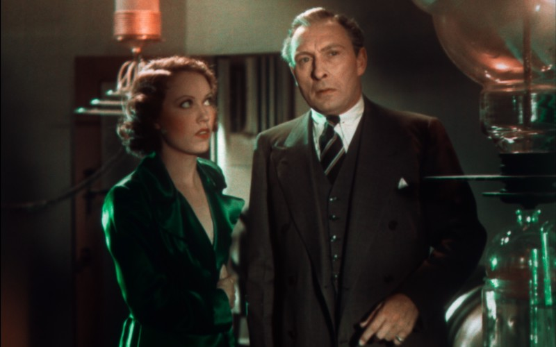 Fay Wray and Lionel Atwill in a laboratory scene from Doctor X.